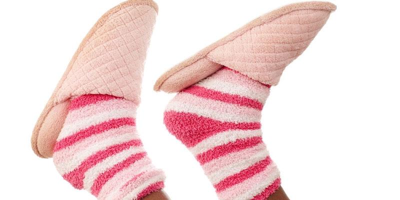 Çorap ve Terlik Kombinleri
