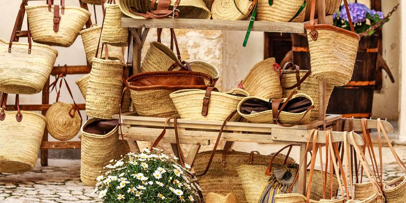 Plajlardan Sokak Modasına Terfi Eden Hasır Çantalar
