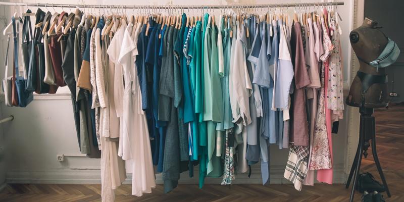 Yazlık Kıyafetler Sonbaharda Nasıl Kombinlenir?