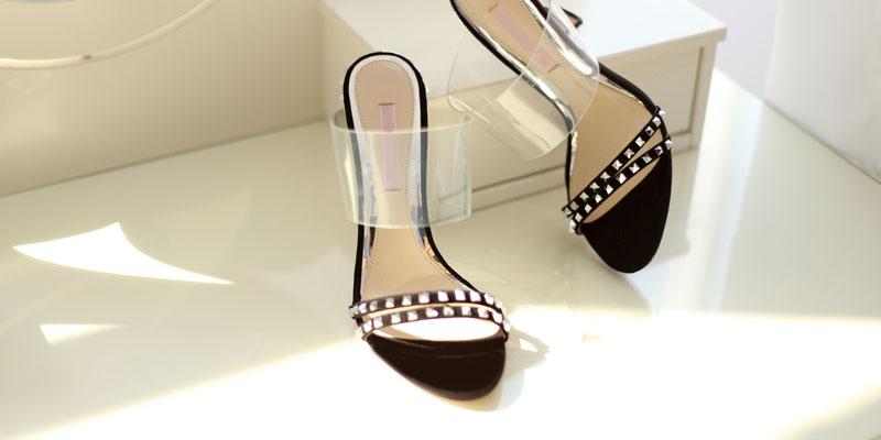 Şeffaf topuk ayakkabı