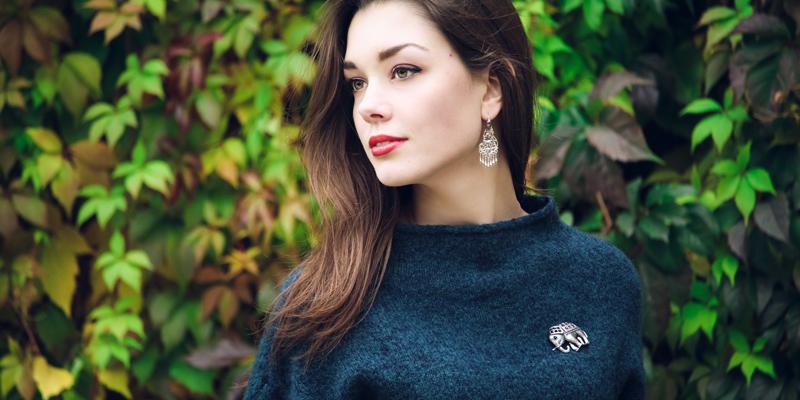 Kazak broş kombini