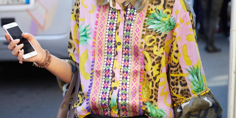 Tropikal desen gömlek