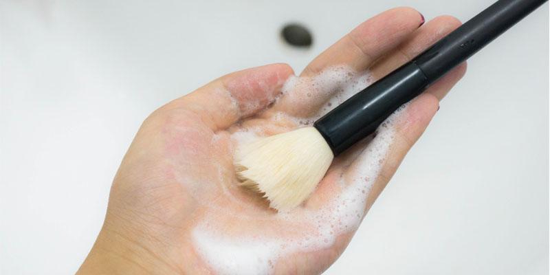 makyaj melzemesi temizliği
