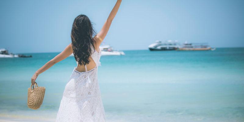 Beyaz deniz elbisesi