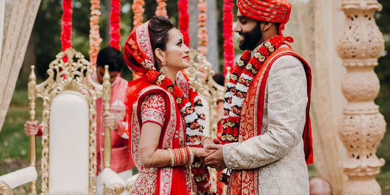 Hint düğün kıyafetleri