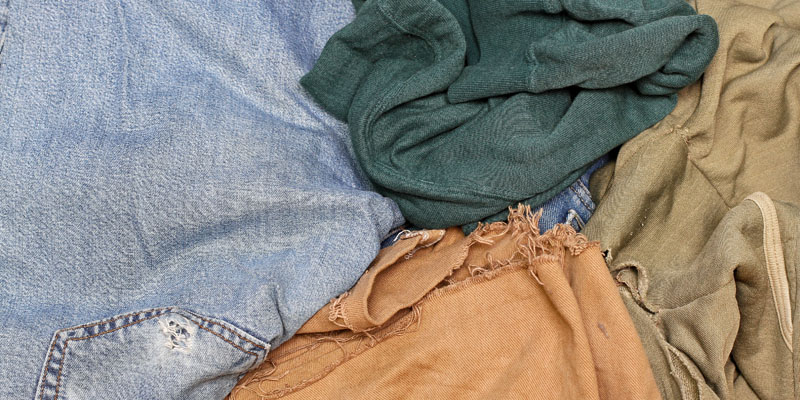 Eksi kıyafetler