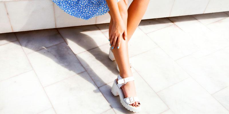 beyaz sandalet modeli