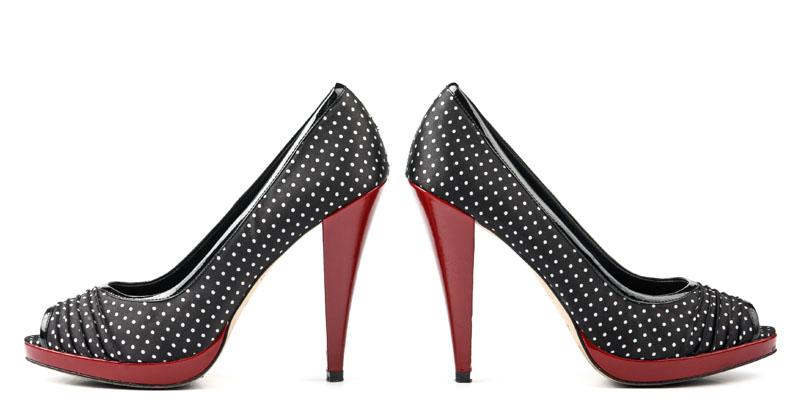 puantiyeli ayakkabı