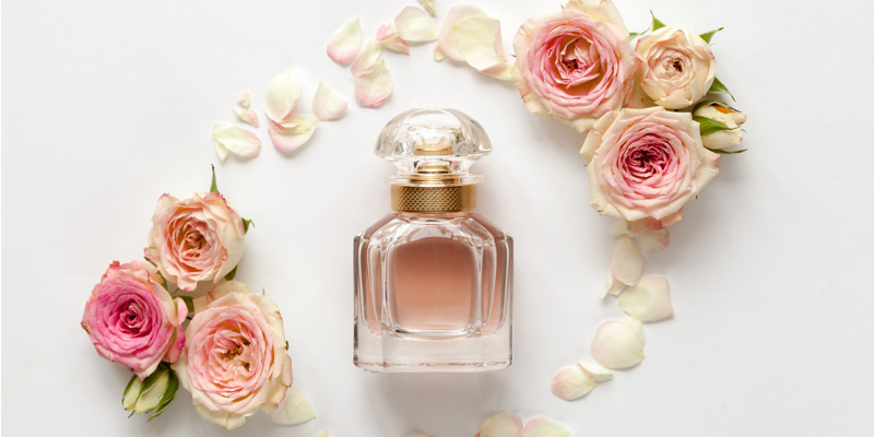 Gül kokulu parfüm
