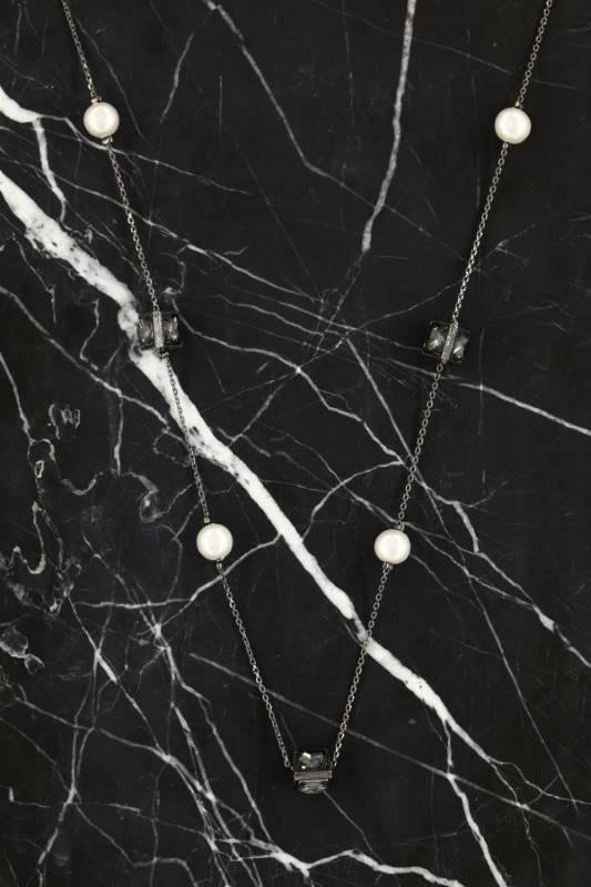 Silver Renk Siyah Beyaz Motifli Uzun Kolye